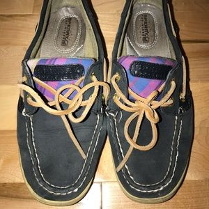 Sperry navy boat shoe with plaid and gold details